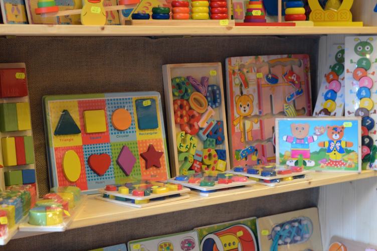 Magazin jucarii lemn in Bucuresti - Childhood Toys