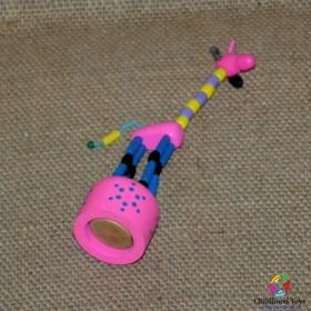 Girafa lemn roz cu buton