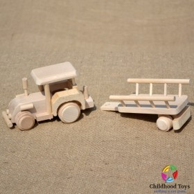 Tractor din lemn cu remorca M1
